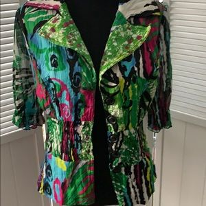 Tops - Beautiful tropical Floral top with elastic waist.